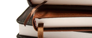 Bücherstapel, Quelle: colourbox.com